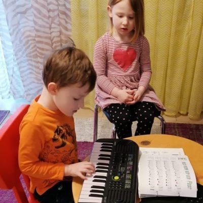 Instrumental-Unterricht für Kinder im Kindergarten
